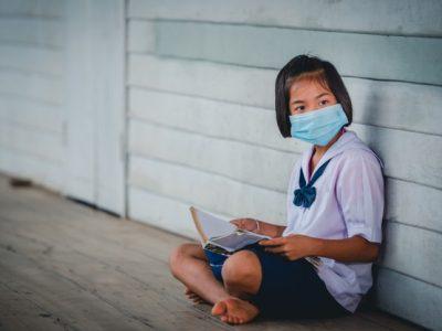 female-elementary-school-asian-students-wearing-medical-mask-prevent-coronavirus_140555-617